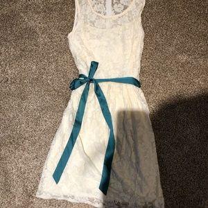 Hush lace cream dress size 6